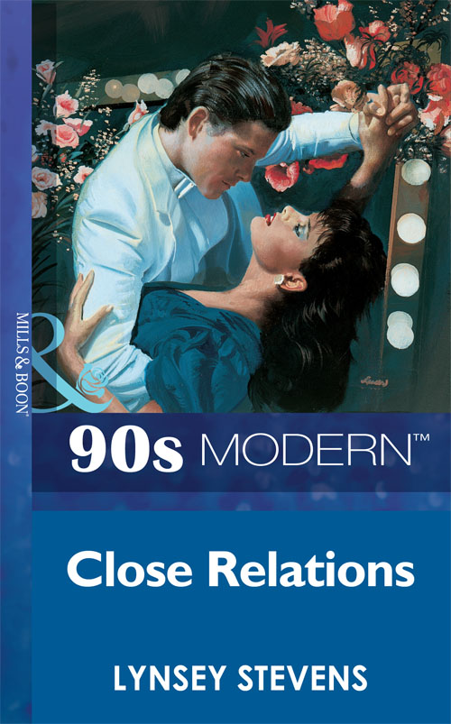 Lynsey Stevens Close Relations цена